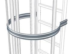 Анодированная страховочная скоба со стороны спины Zarges, D = 700 мм 41244